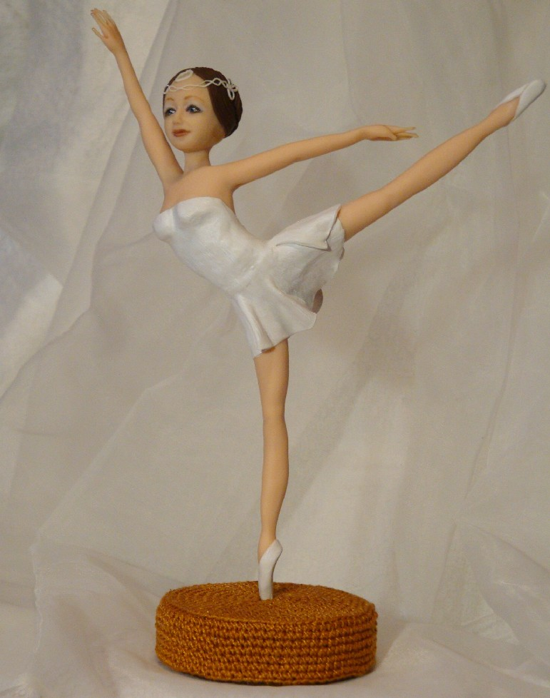 Делаем куклу из полимерной глины